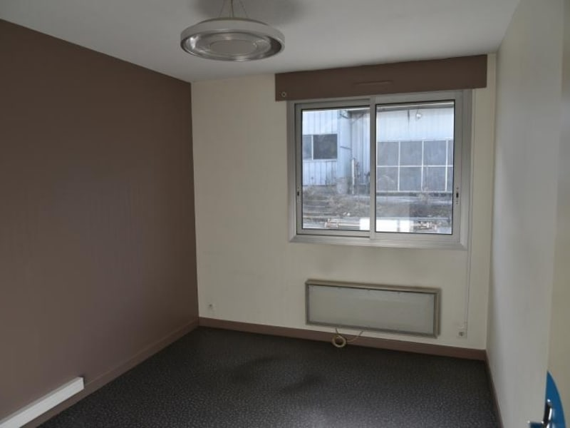 Location local commercial Arbent 2700€ HC - Photo 5