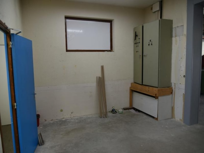 Location local commercial Arbent 2700€ HC - Photo 9