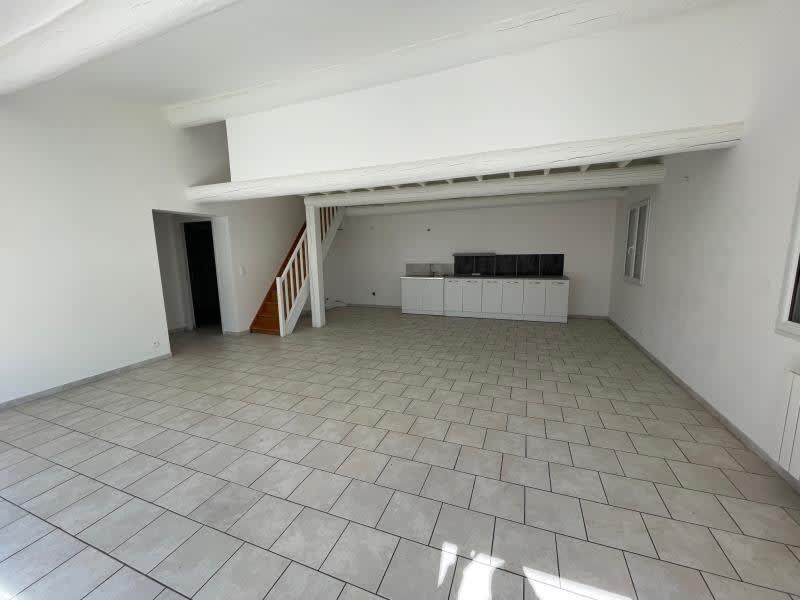 Sale empty room/storage Berre l etang 109900€ - Picture 2