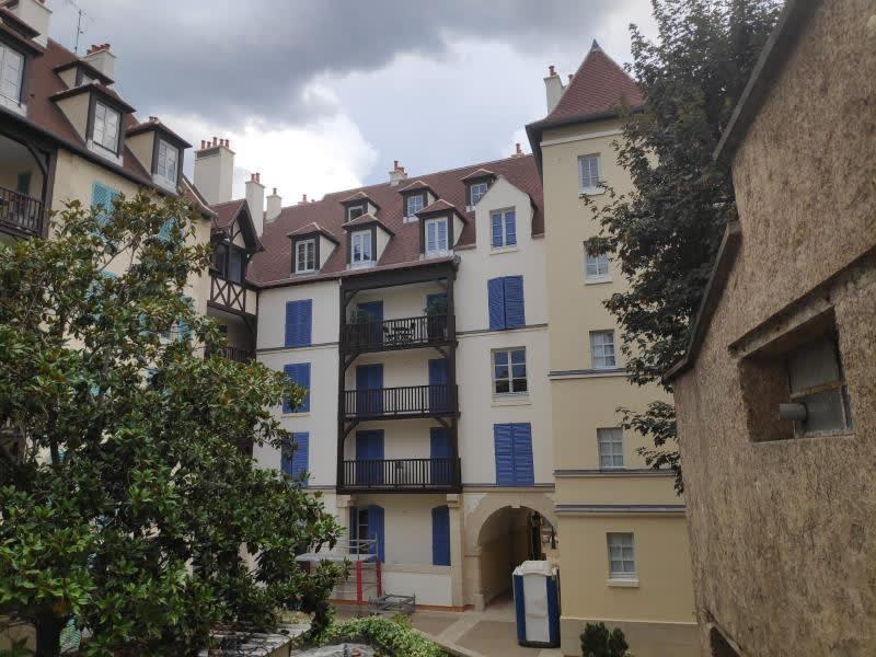 Rental apartment St germain en laye 929€ CC - Picture 1