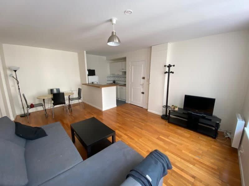 Rental apartment St germain en laye 1090€ CC - Picture 1