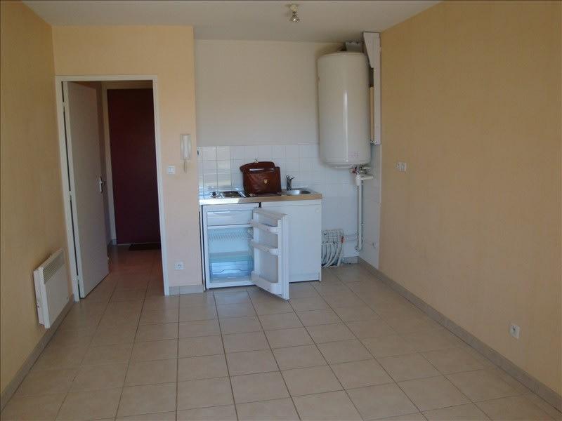 Location appartement Saint alban 393,77€ CC - Photo 1