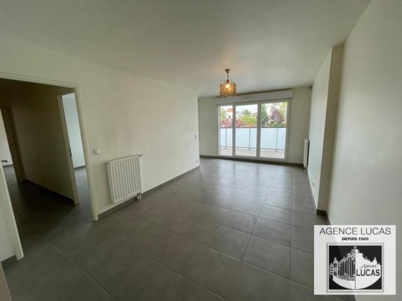 Rental apartment Nanterre 1220€ CC - Picture 1