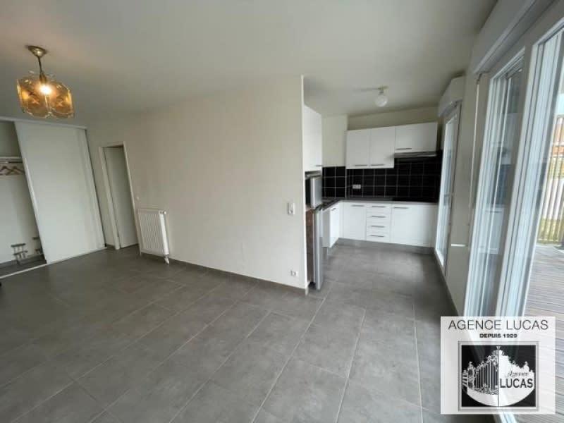Rental apartment Nanterre 1220€ CC - Picture 2