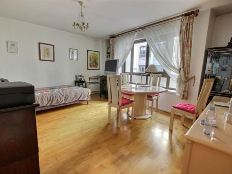 Sale apartment Paris 18ème 299000€ - Picture 2