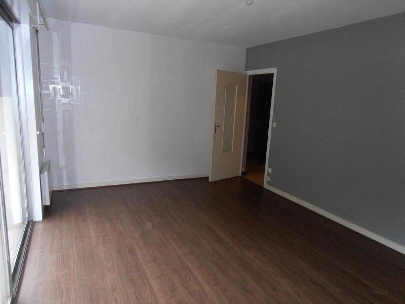 Rental apartment Montreal la cluse 410€ CC - Picture 2