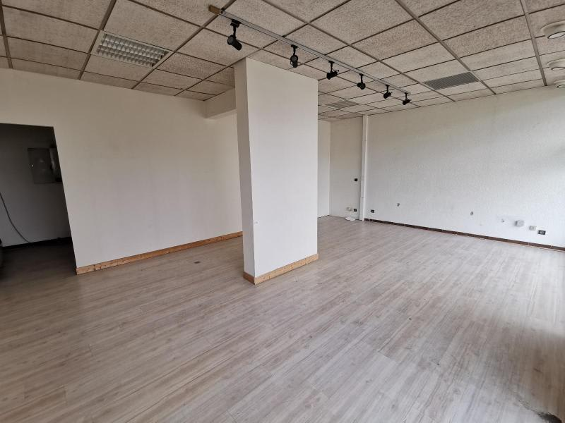 Rental empty room/storage Oyonnax 600€ HC - Picture 2