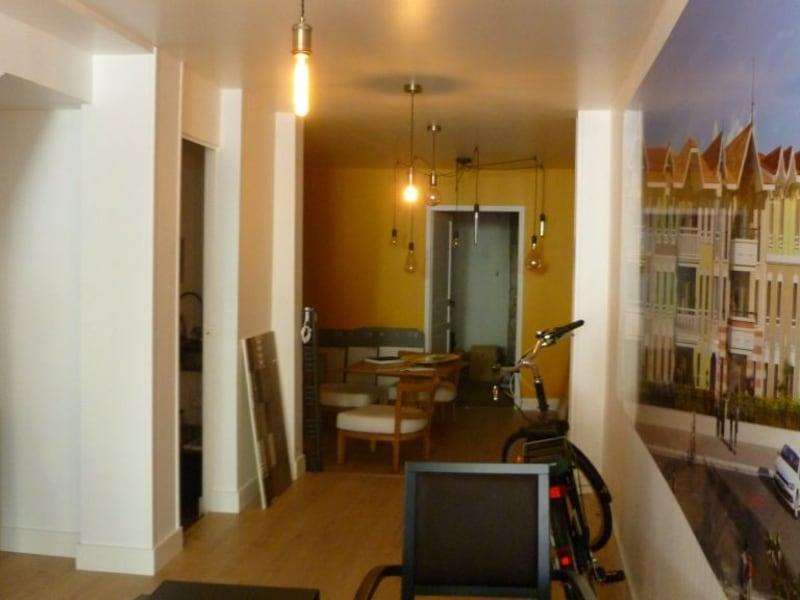 Location local commercial Arcachon 9780€ HC - Photo 2