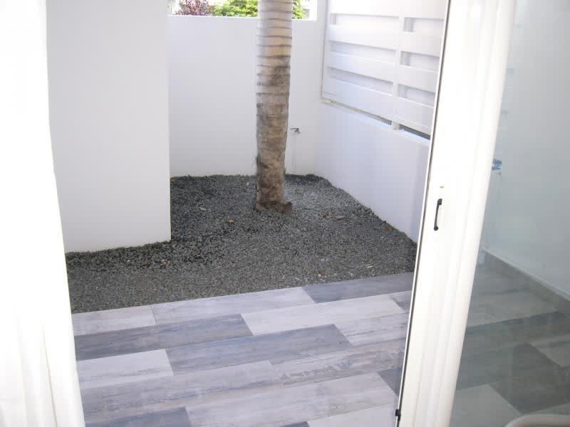 Location appartement St denis 483€ CC - Photo 2