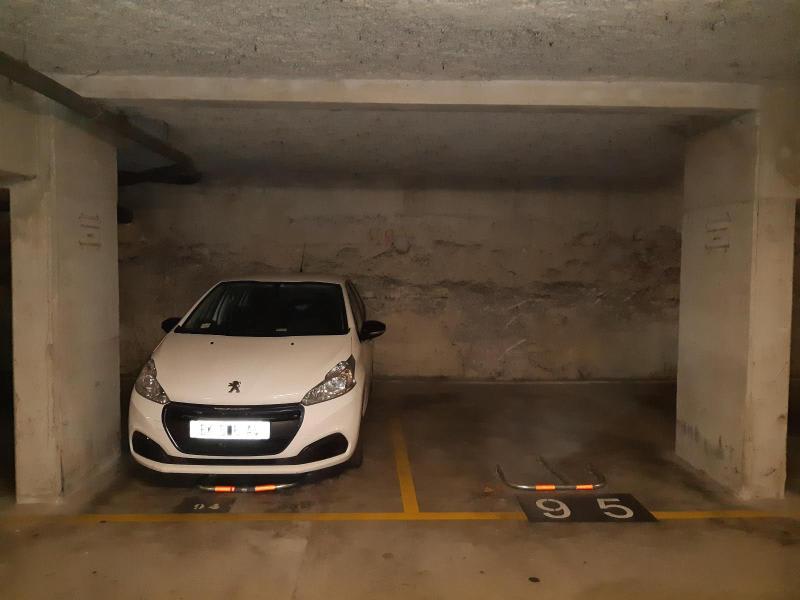 Rental parking spaces Aix en provence 130€ CC - Picture 1
