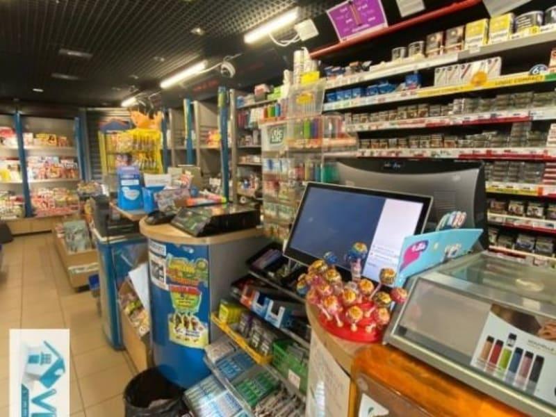 Commercial property sale shop Creteil 296800€ - Picture 1