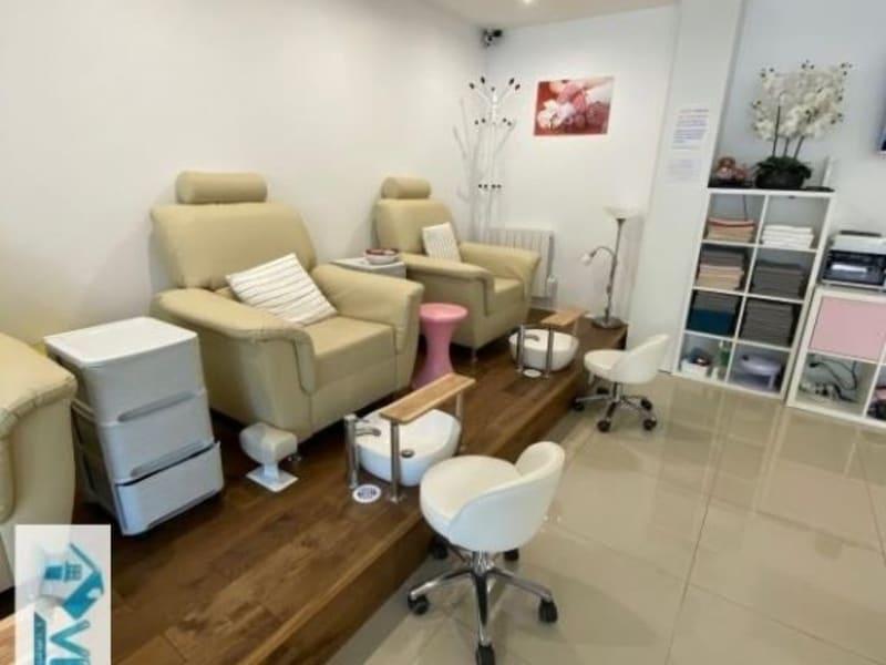 Commercial property sale shop La varenne saint hilaire 104000€ - Picture 1