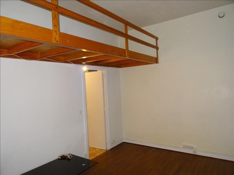 Rental apartment Paris 15ème 785€ CC - Picture 1