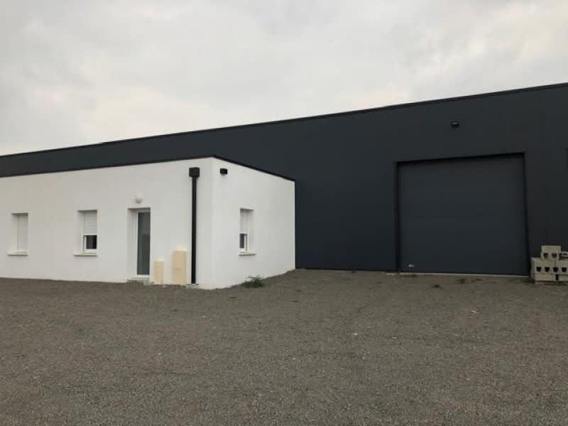 Location local commercial La seguiniere 950€ HC - Photo 1
