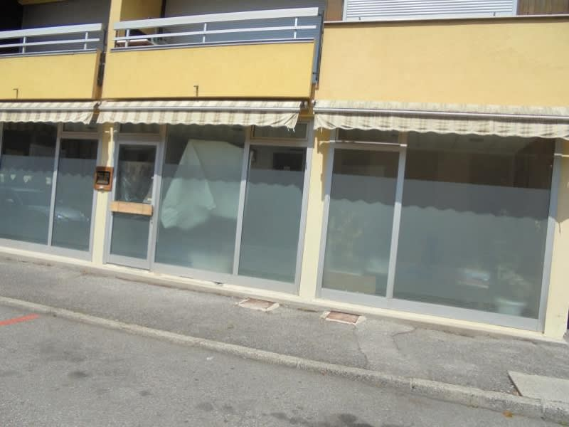 Vente local commercial Cluses 107000€ - Photo 2