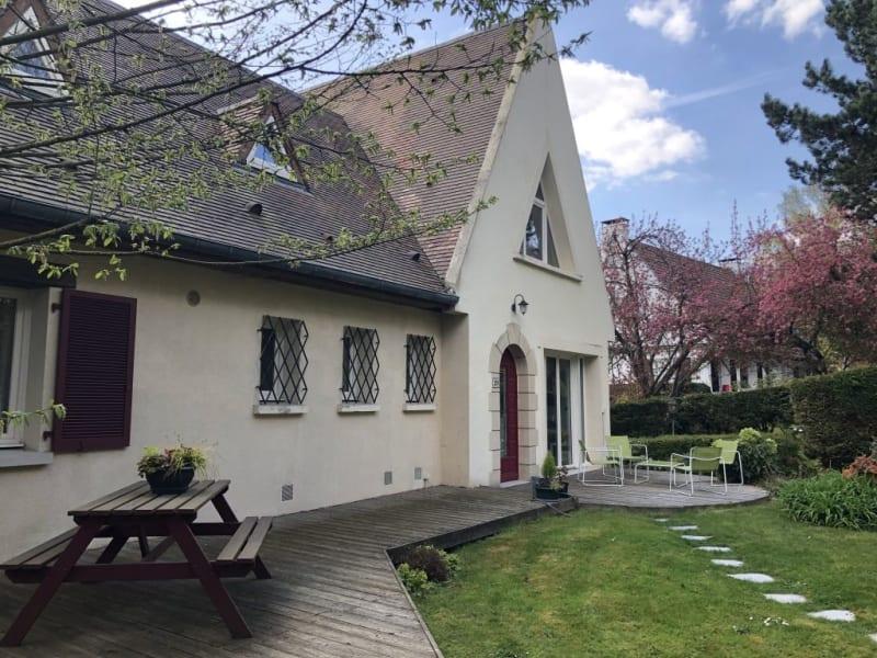 Sale house / villa Morainvilliers 830000€ - Picture 1