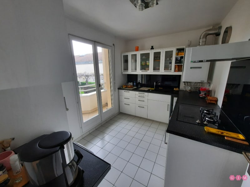 Sale apartment Poissy 269000€ - Picture 2