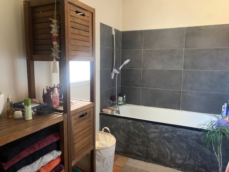 Sale house / villa Cabries 299000€ - Picture 5