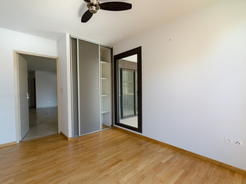 Rental apartment Saint pierre 832€ CC - Picture 3