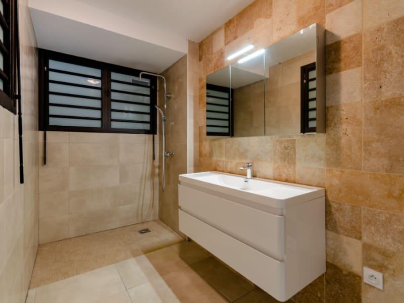 Rental apartment Saint pierre 832€ CC - Picture 4