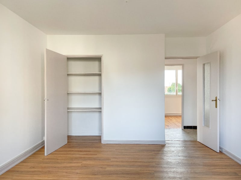 Rental apartment Decines charpieu 780€ CC - Picture 3