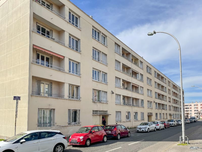 Rental apartment Decines charpieu 780€ CC - Picture 9