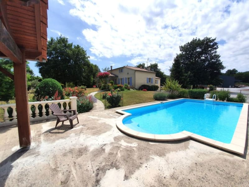 Sale house / villa Lamérac 294500€ - Picture 5