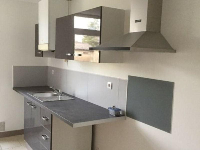 Rental apartment Barbezieux-saint-hilaire 460€ CC - Picture 4