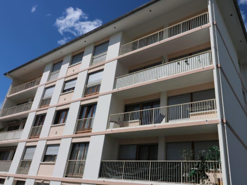 Location appartement Bonneville 880€ CC - Photo 1