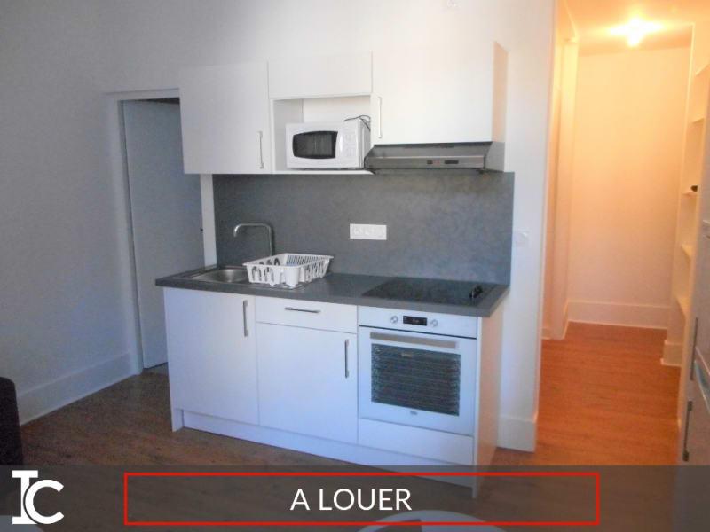 Rental apartment Voiron 344€ CC - Picture 1