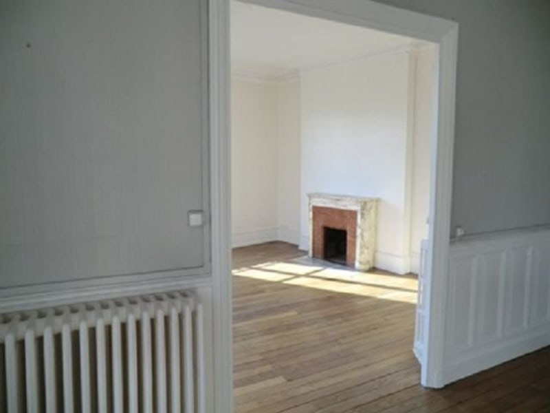 Rental apartment Chalon sur saone 735€ CC - Picture 2