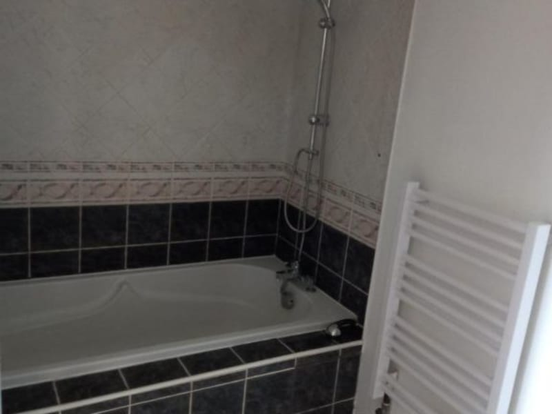 Location appartement Villefranche 851,50€ CC - Photo 9