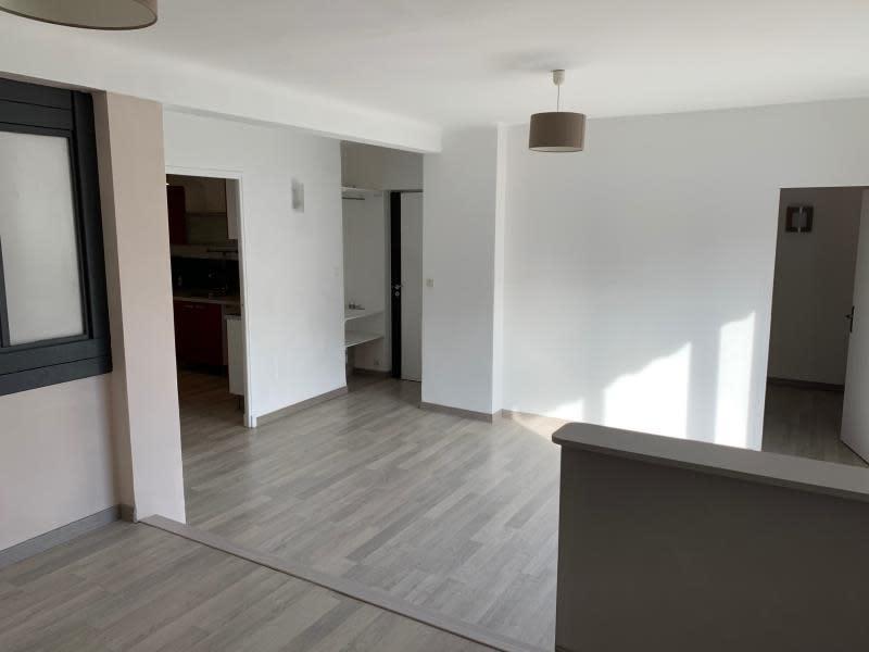 Location appartement Salon de provence 830€ CC - Photo 2