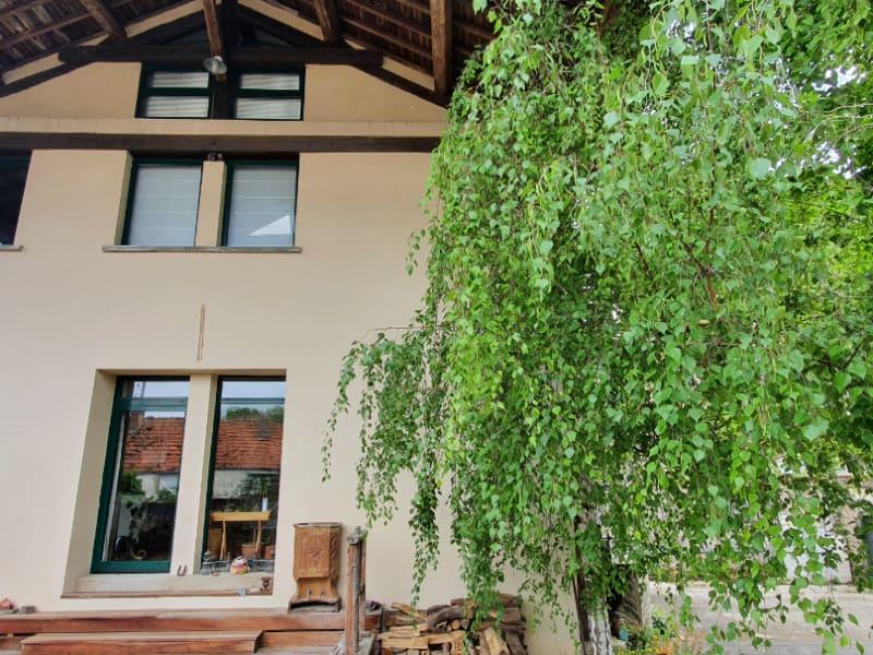 Sale house / villa Brie comte robert 365000€ - Picture 1