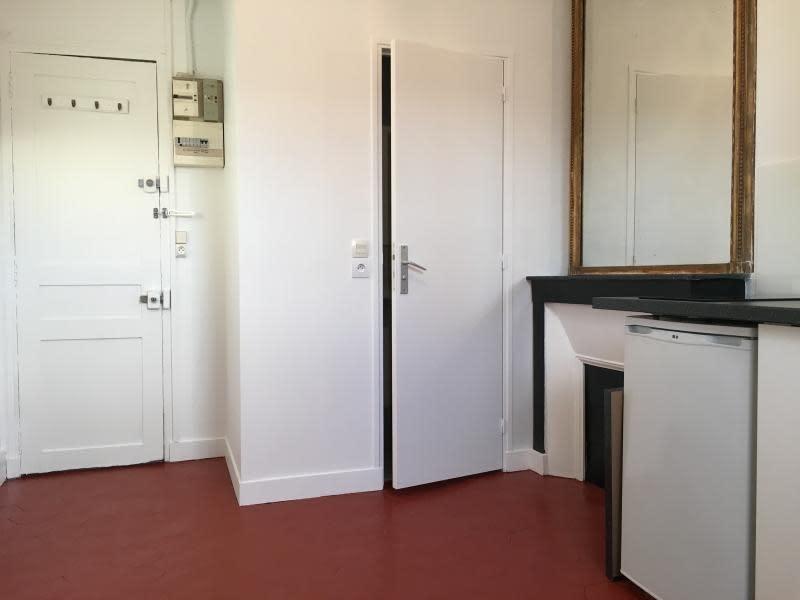 Location appartement Paris 8ème 580€ CC - Photo 4