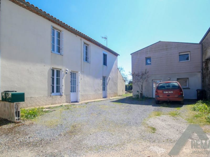 Sale house / villa Aizenay 273140€ - Picture 1