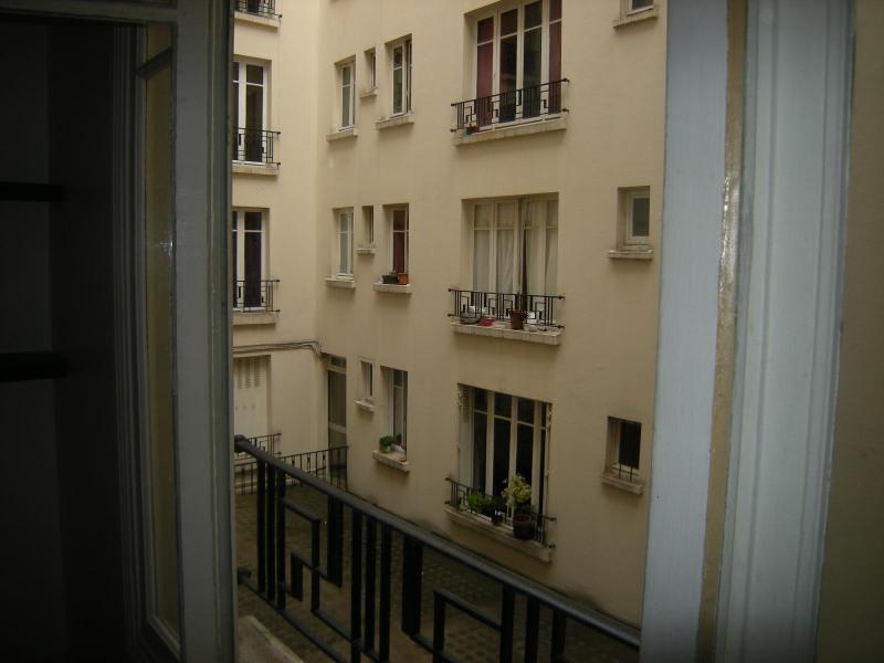 Location appartement Paris 11ème 930€ CC - Photo 15