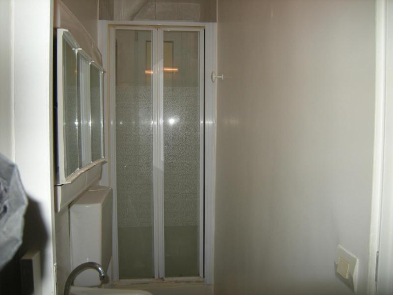 Location appartement Paris 11ème 930€ CC - Photo 18
