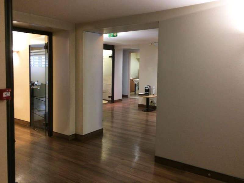 Rental empty room/storage Paris 8ème 7500€ HC - Picture 6