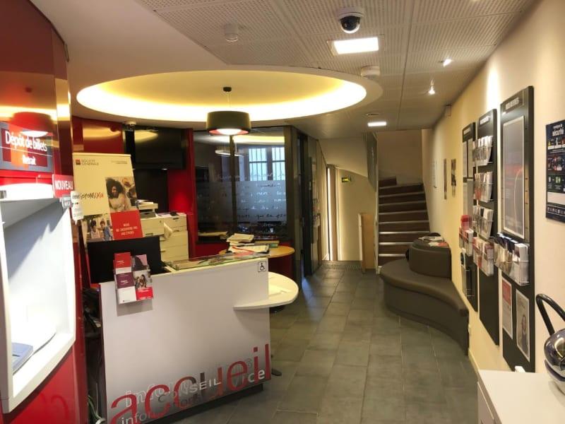 Rental empty room/storage Paris 8ème 7500€ HC - Picture 8