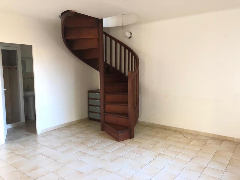 Location appartement Aix en provence 879€ CC - Photo 11