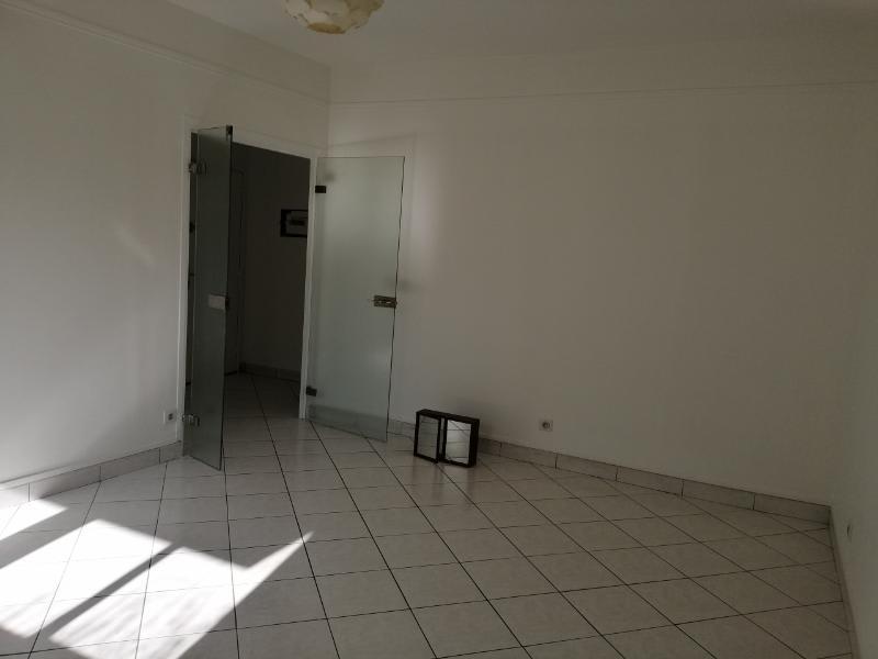 Location appartement Puteaux 1075€ CC - Photo 12