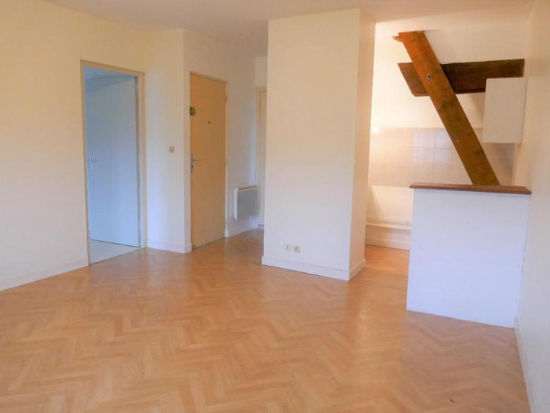 Rental apartment St martin du fresne 346€ CC - Picture 5