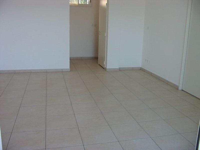 Location appartement Ste clotilde 780€ CC - Photo 13