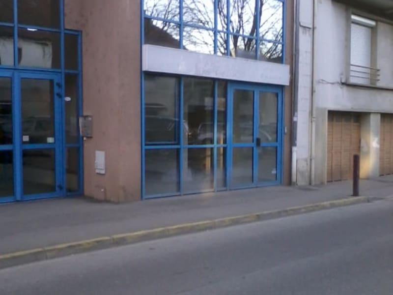 Rental empty room/storage Bourgoin jallieu 670€ CC - Picture 7