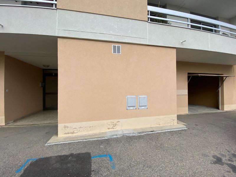 Location parking Genay 82€ CC - Photo 2