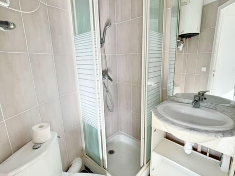 Location appartement Paris 17ème 690€ CC - Photo 10