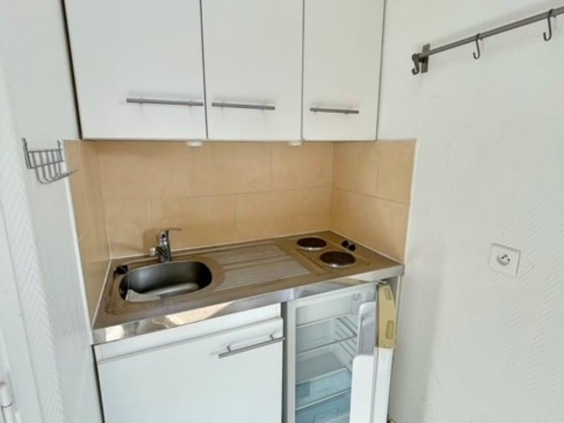 Location appartement Paris 17ème 690€ CC - Photo 11