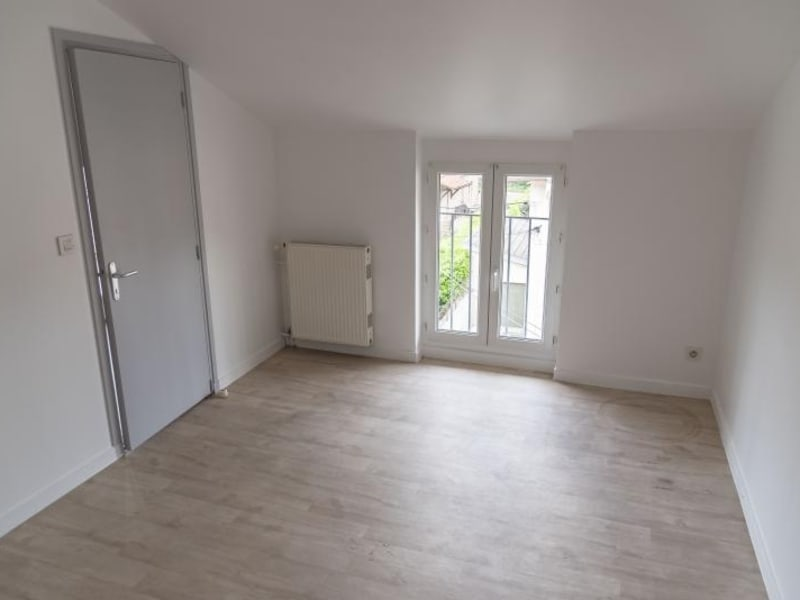 Location appartement Oyonnax 335€ CC - Photo 12