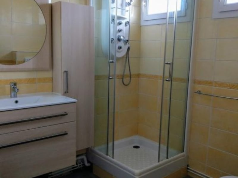 Location appartement Oyonnax 422,83€ CC - Photo 11